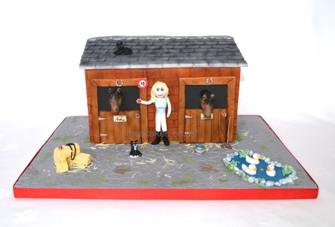 Stable Farmyard Cake